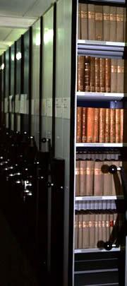 Rayonnages mobiles de la bibliothèque